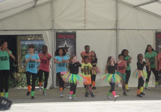 Diamond Jubilee Gardens Music & Fun Day [c www.twickenhamalive.com]