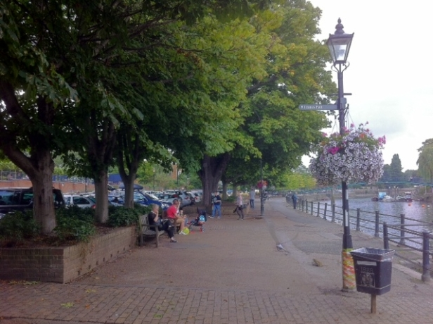 Embankment, Twickenham