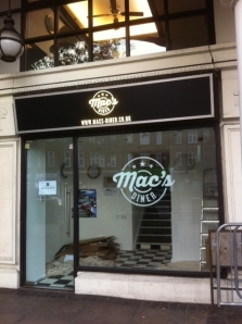 Mac's Diner, Twickenham
