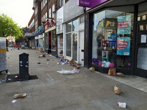 King Street litter [Photo courtesy of Deryn Harvey on Facebook]