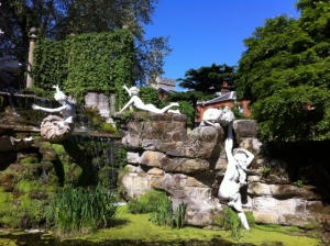 Naked ladies in York House Gardens