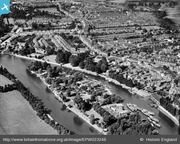 Britain from Above - Eel Pie Island, 1928 Visit page