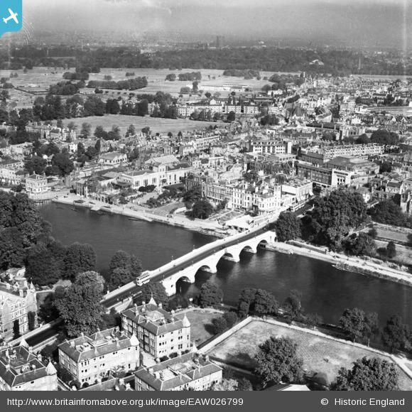 Britain from Above - Richmond Bridge 1949 Original image - http://www.britainfromabove.org.uk/image/eaw026799