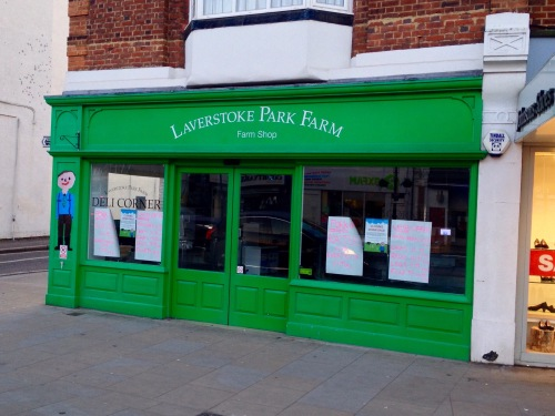 Laverstoke, closing in Twickenham