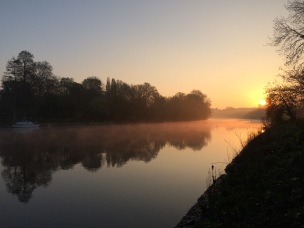 spring sunrise river thames